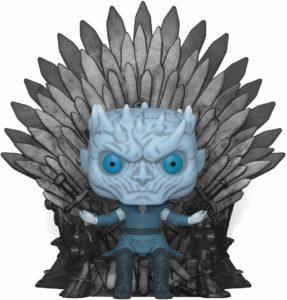 Figurine roi de la nuit sur le trône